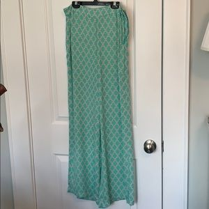 Green patterned Gianni Bini pants